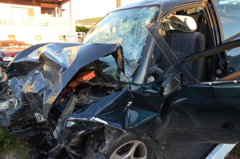 Συγκλονιστικές εικόνες από το θανατηφόρο τροχαίο στο Ναύπλιο [pics] | Newsit.gr