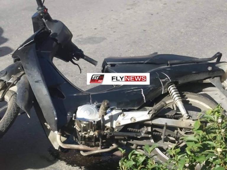 """Σπάρτη: Τραυματίστηκε οδηγός σε τροχαίο – Το """"παπάκι"""" του συγκρούστηκε με αυτοκίνητο [pic]   Newsit.gr"""