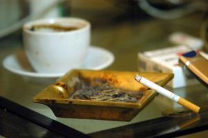 Αστυπάλαια: Το πρώτο νησί που απαγορεύει το κάπνισμα ακόμα και σε ανοιχτούς χώρους – Τι πρέπει να ξέρουν οι τουρίστες!