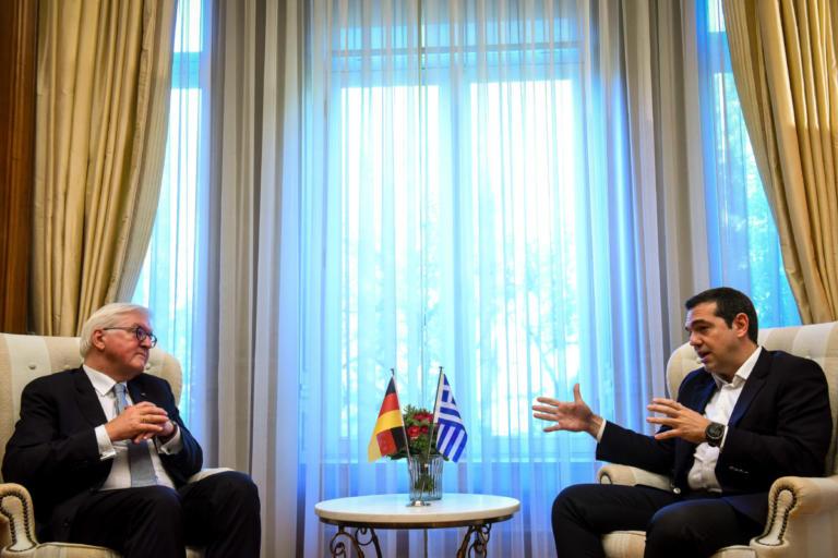 Το ζήτημα των γερμανικών αποζημιώσεων έθεσε ο Τσίπρας στον Στάινμαϊερ | Newsit.gr