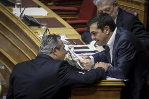 Ξένοι στην ίδια κυβέρνηση – Οργή στον ΣΥΡΙΖΑ για Καμμένο – Μήνυμα και από Τσίπρα