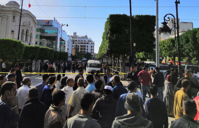 Διπλωματούχος και άνεργη η καμικάζι αυτοκτονίας της Τυνησίας | Newsit.gr
