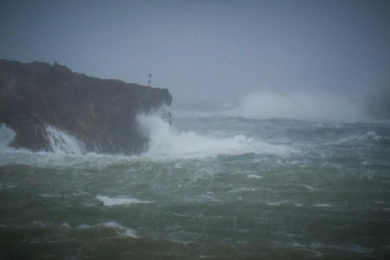 Τρόμο προκαλεί ο κυκλώνας Λέσλι – Θα χτυπήσει Πορτογαλία και Ισπανία | Newsit.gr