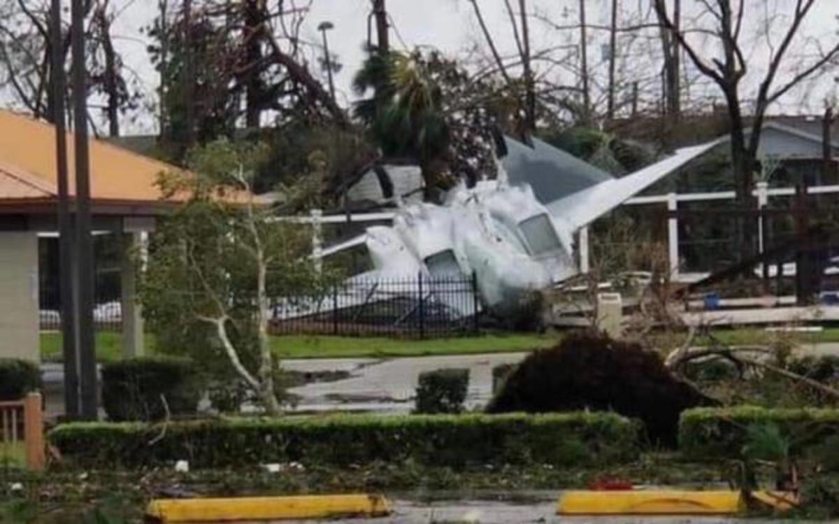 Εικόνες βιβλικής καταστροφής από τον τυφώνα Michael – Διέλυσε την αεροπορική βάση των F-22! [pics, vid] | Newsit.gr