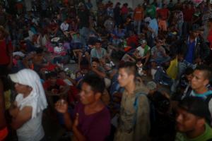 Τραμπ: Στέλνει χιλιάδες στρατιώτες στα σύνορα με το Μεξικό!