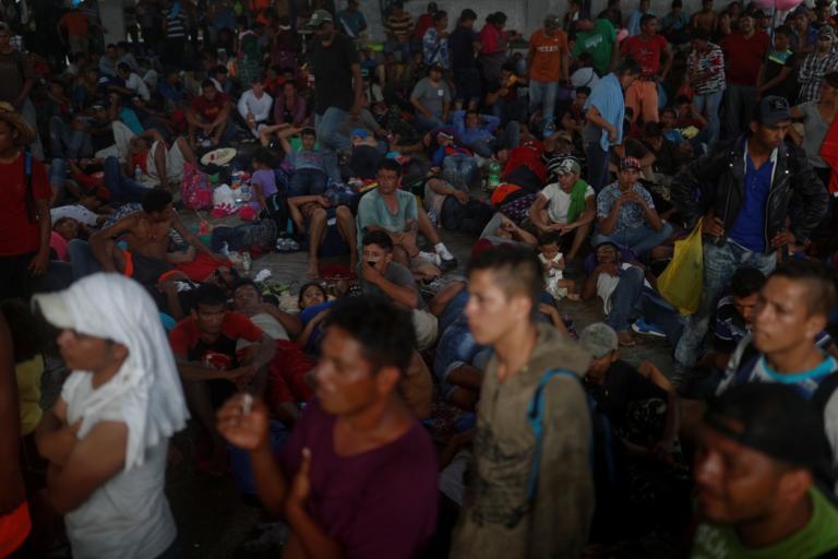 Τραμπ: Στέλνει χιλιάδες στρατιώτες στα σύνορα με το Μεξικό! | Newsit.gr