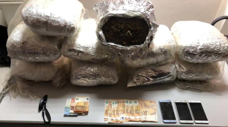 Κρήτη: Έπιασαν ζευγάρι με 20 κιλά χασίς | Newsit.gr