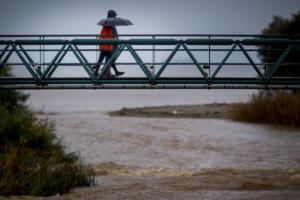 Καιρός: Υποχωρεί εξασθενημένος ο κυκλώνας «Ζορμπάς»