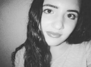 Κρήτη: Ξεχειλίζει η συγκίνηση στο τελευταίο αντίο της 19χρονης Μελανθίας