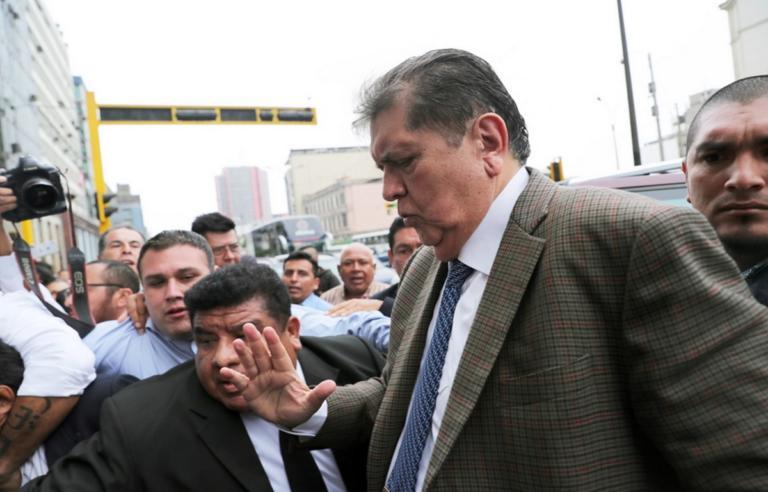 Απαγόρευση εξόδου από την χώρα στον πρώην πρόεδρο του Περού   Newsit.gr