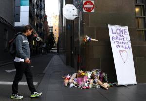 Μελβούρνη: Δωρεές για τον άστεγο ήρωα της τρομοκρατικής επίθεσης – Video [pics]