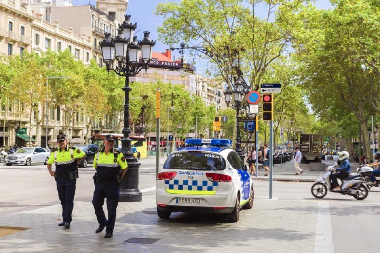 Βαρκελώνη: Αυτοκίνητο έπεσε πάνω σε πεζούς | Newsit.gr