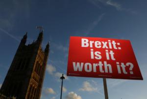 Brexit: Διάλογο και δυνατότητα για τροπολογίες στο σχέδιο συμφωνίας ζητά η αντιπολίτευση