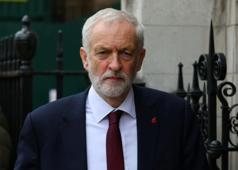 Brexit: Θέλει νέο δημοψήφισμα ο Κόρμπιν – Ετοιμάζει πρόταση μομφής κατά της Μέι | Newsit.gr