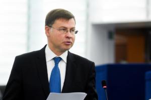 Ντομπρόβσκις: Η Κομισιόν εξετάζει το ενδεχόμενο κυρώσεων στην Ιταλία!