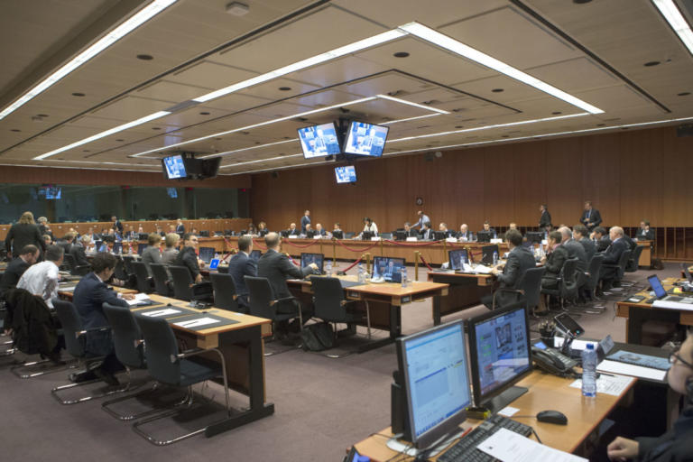 Eurogroup με… ολίγη επιτήρηση για την Ελλάδα
