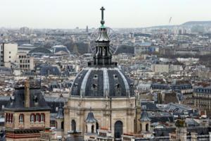 Γαλλία: Περισσότερα μαθήματα στα αγγλικά για να προσελκύσει ξένους φοιτητές