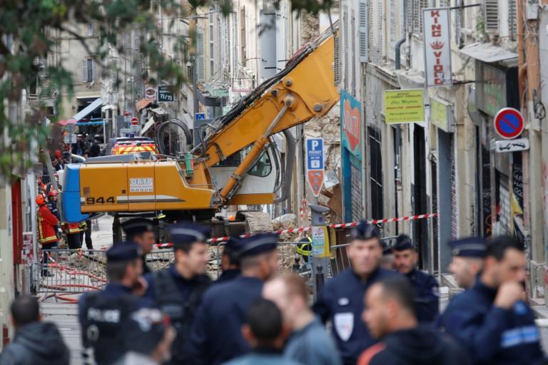 Μασσαλία: Για τέταρτη μέρα βγάζουνε νεκρούς από τις δύο γκρεμισμένες πολυκατοικίες | Newsit.gr
