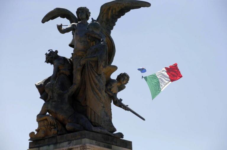 Ρίχνει τους τόνους η Ιταλία – Κάνουν πίσω Ντι Μάιο και Σαλβίνι για τον προϋπολογισμό