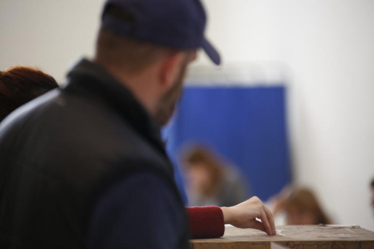 Δημοσκόπηση: Μεγάλη διαφορά ΣΥΡΙΖΑ-ΝΔ και Τσίπρα – Μητσοτάκη | Newsit.gr