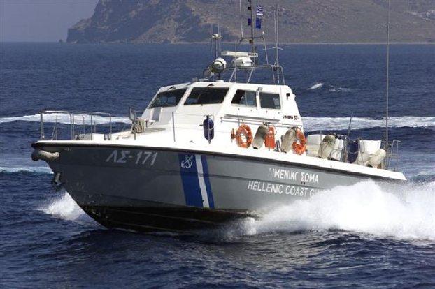 Φωτιά σε τουρκικό πλοίο στο Ταίναρο – Συναγερμός για τους 20 τόνους καυσίμων