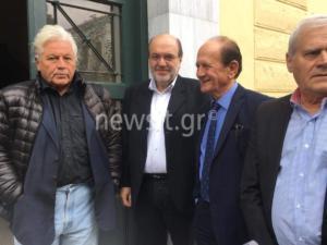 Υπουργοί, βουλευτές και… ντουντούκες στα δικαστήρια υπέρ του Λυμπερόπουλου