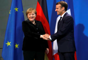Μακρόν καλεί Μέρκελ να επανιδρύσουν την Ευρώπη