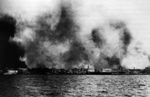 Ο καπετάνιος – μύθος που έσωσε εκατοντάδες Έλληνες στην καταστροφή της Σμύρνης! – Video