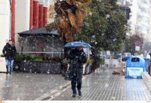 Καιρός: Χειμωνιάτικη επέλαση με κρύο, βροχές και χιόνια!