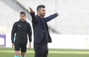 ΑΕΚ – Ουζουνίδης: «Δεν έχει χαθεί το πρωτάθλημα! Δεν νιώθω πίεση»