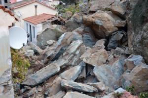 Πλωμάρι: Η κατολίσθηση ξεσπίτωσε οικογένειες – Στα ξενοδοχεία 37 κάτοικοι – Τι είδε ο Λέκκας