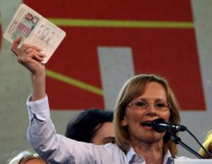 Υπουργός Άμυνας Σκοπίων: Ενοχλήθηκε από το «Μακεδονία Ξακουστή» στην παρέλαση της 28ης Οκτωβρίου!