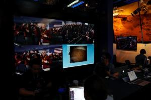 Λεπτό προς λεπτό η προσεδάφιση του Insight στον Άρη! (pics και video)