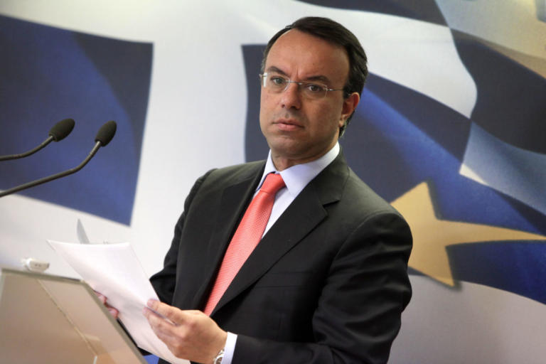 Υπερψηφίζει η ΝΔ την τροπολογία για τα αναδρομικά των ενστόλων | Newsit.gr