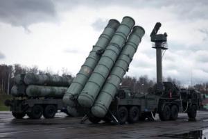 Στέλνει πυραύλους S-400 στην Κριμαία ο Πούτιν