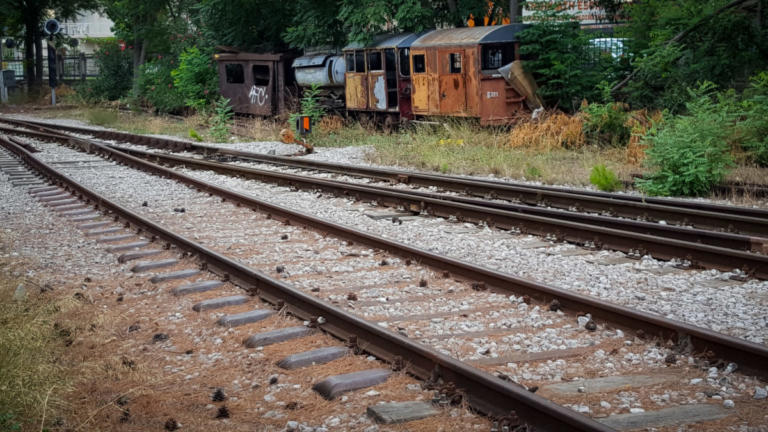 Νεκρή γυναίκα στην Πιερία – Παρασύρθηκε από τρένο | Newsit.gr