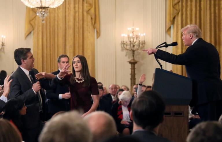 Kι άλλο χαστούκι στον Τραμπ – Δικαστής: Δώστε πίσω την διαπίστευση του δημοσιογράφου του CNN | Newsit.gr