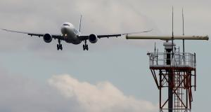 Θρίλερ στον αέρα! Αεροσκάφος της Air France έκανε αναγκαστική προσγείωση στην Ρωσία!