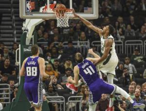 Συγκρίνουν Αντετοκούνμπο με Τζόρνταν! Το κάρφωμα που «τρέλανε» το NBA – videos