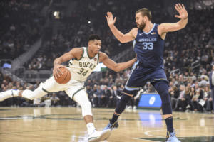 NBA: Τρομερός Αντετοκούνμπο, αλλά ήττα για Μπακς – video