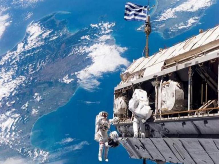 Αστροναύτες ανήρτησαν Eλληνική Σημαία στον Διεθνή Διαστημικό Σταθμό! | Newsit.gr