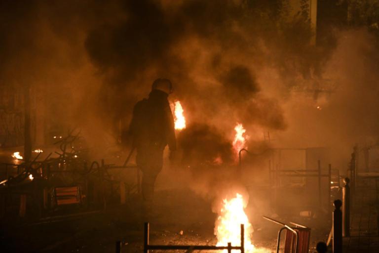 Νύχτα «κόλαση» στα Εξάρχεια – 19 συλλήψεις για τα επεισόδια στο Πολυτεχνείο   Newsit.gr