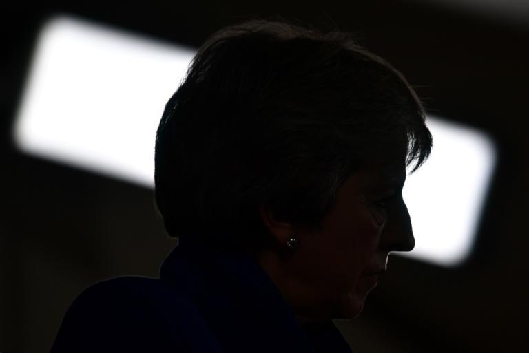 Brexit: Η Μέι και η επικοινωνιακή εκστρατεία με δόσεις εκβιασμού και απειλών | Newsit.gr