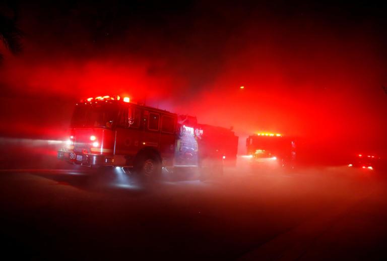 Καλιφόρνια: Ξεκίνησε η μακάβρια καταμέτρηση – Πέντε νεκροί από την τεράστια φωτιά | Newsit.gr
