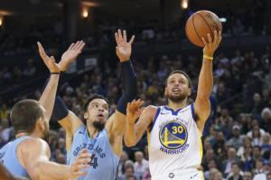 «Ακάθεκτοι» οι Γουόριορς στο NBA! Με σούπερ ποσοστό στα τρίποντα – video
