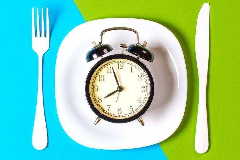 Η διαλειμματική νηστεία βοηθάει στην απώλεια βάρους – Η δίαιτα 16:8   Newsit.gr