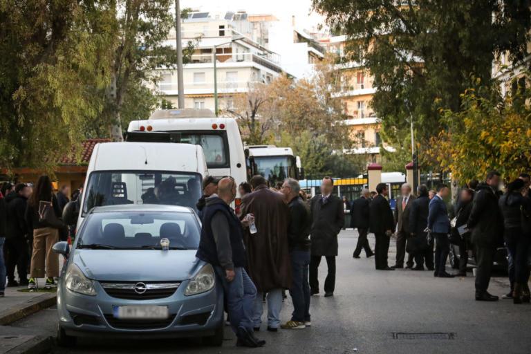 Ελεύθεροι εννέα κατηγορούμενοι για το κύκλωμα λαθρεμπορίας χρυσού | Newsit.gr