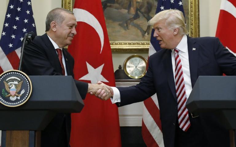 """Τηλεφωνική επικοινωνία Ερντογάν – Τραμπ με το """"βλέμμα"""" στη Συρία   Newsit.gr"""