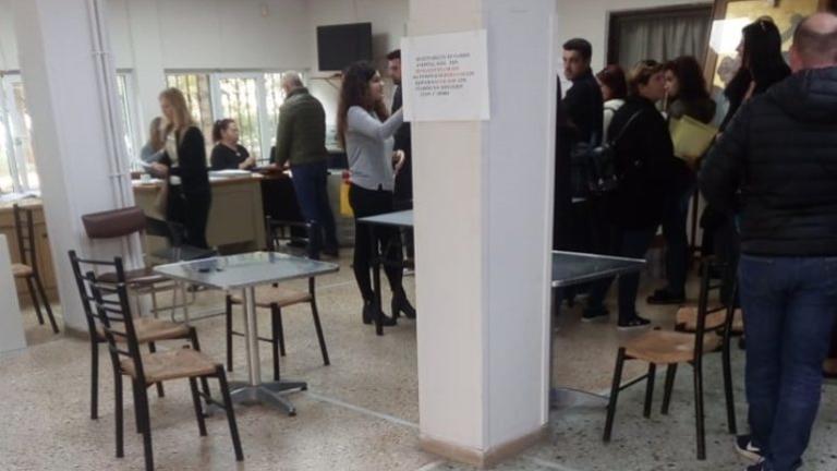 Ηράκλειο: Πλακώθηκαν στο ξύλο μέσα στο Εργατικό Κέντρο – Απίστευτες εικόνες με φόντο τις εκλογές! | Newsit.gr