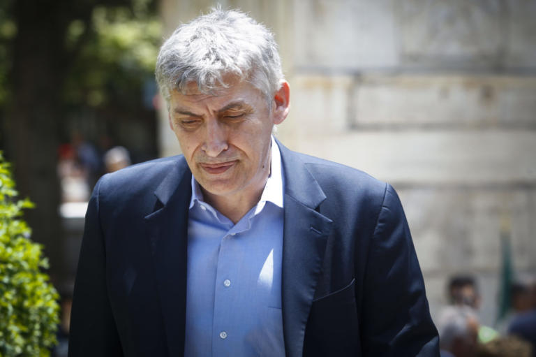 Θρήνος για τον Παναγιώτη Φασούλα – Πέθανε ο πατέρας του | Newsit.gr